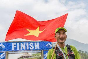 Chàng trai Việt hoàn thành đường chạy marathon khắc nghiệt nhất Châu Âu UTMB 2018