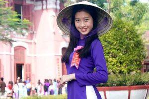 Chủ tịch Thừa Thiên - Huế kêu gọi học sinh mặc áo dài đến trường