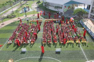 Hàng ngàn con em công nhân háo hức ngày khai giảng tại các trường mẫu giáo triệu đô