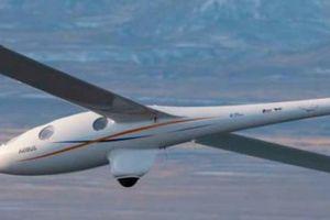 Máy bay lần đầu bay cao đến mức máu người sôi 'sùng sục'