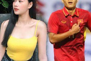 Sau Tiến Dũng, đến lượt Đức Chinh 'gây sốt' vì có bạn gái nóng bỏng?