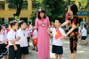Ngày đầu tiên đi học: Lấp lánh niềm vui và cả nỗi lo…