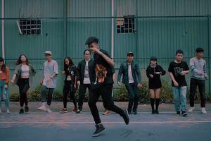 Người trẻ rủ nhau đi tập nhảy Shuffle