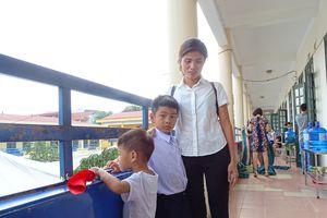 Khai giảng đầu tiên của hai bé bị trao nhầm ở Ba Vì