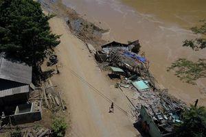 Nhiều bản ở huyện Mường Lát vẫn bị cô lập, nguy cơ bị thiếu lương thực