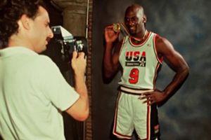 Top 9 bức ảnh ấn tượng nhất lịch sử NBA