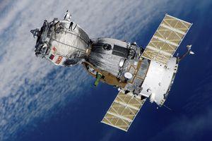 Nga thề tìm ra kẻ đục lỗ thủng trên tàu không gian của họ, xem xét khả năng bị phá hoại