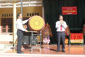 Đồng chí Trưởng Ban Tuyên giáo Tỉnh ủy Nguyễn Văn Phát dự khai giảng Trường THPT Yên Định 1