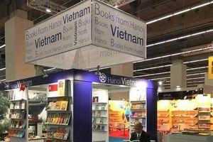 Quảng bá, giới thiệu các ấn phẩm văn hóa của Hà Nội tới bạn bè quốc tế