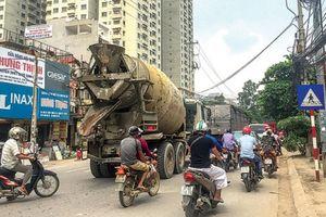 Nhức nhối xe tải bẩn làm nhếch nhác đường Thủ đô