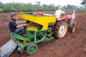 'Bỏ phố về rừng' chế tạo máy nông nghiệp giúp nông dân