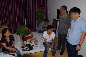 Bắt giữ đôi nam nữ vận chuyển 2.100 viên ma túy tổng hợp