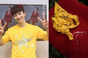 Thần tượng Kpop ném vòng tay trị giá 35.000 USD tặng fan