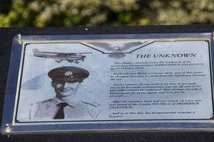 Máy bay mất tích kỳ lạ: Bí ẩn chuyến bay 'bị UFO bắt cóc'