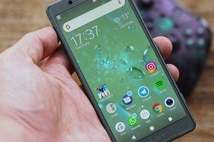 2018 là dấu chấm hết dành cho những chiếc smartphone 'tí hon'
