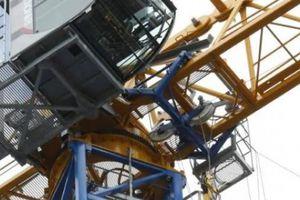 Tai nạn khủng khiếp: Cần cẩu làm rơi 1,5 tấn bê tông vào 3 công nhân Úc