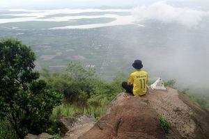 'Săn' mây trên đỉnh Bà Đen