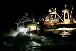 Tàu cá Anh, Pháp đụng độ trên biển