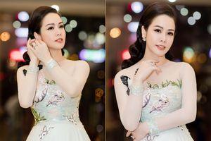 Nhật Kim Anh đeo nhẫn kim cương tiền tỉ dự sự kiện