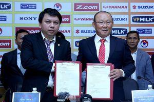 Báo Hàn Quốc tiết lộ mức lương của HLV Park Hang Seo