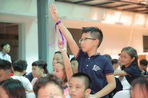 Tham tán Giáo dục Úc đố vui với học sinh tiểu học Hà Nội trong ngày khai giảng
