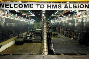 Tàu chiến Anh áp sát quần đảo Hoàng Sa, Trung Quốc vội vàng 'đáp trả'