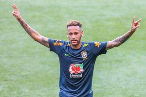 Neymar ghi bàn ngoạn mục, tạo 'siêu bão' ăn mừng giống Cristiano Ronaldo