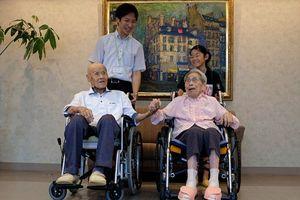 Cặp đôi già nhất thế giới chỉ cho giới trẻ bí quyết giữ lửa hôn nhân hơn 80 năm