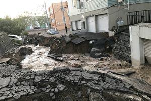 Vừa hứng siêu bão, Nhật Bản lại bị động đất 'hành hạ'
