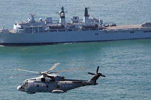 Tàu chiến Anh áp sát quần đảo Hoàng Sa thách thức Trung Quốc, Bắc Kinh phản ứng ra sao?