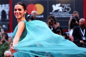 Không rời mắt trước dàn diễn viên, người mẫu xinh đẹp tại LHP quốc tế Venice