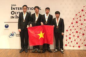 Cả 4 học sinh Việt Nam đều đoạt huy chương Olympic IOI 2018