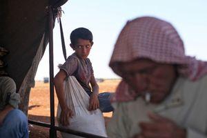 Thường dân bắt đầu tháo chạy khỏi Idlib, Syria
