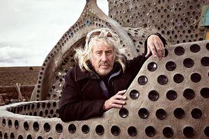 Kỳ lạ kiến trúc sư xây nhà từ... rác thải