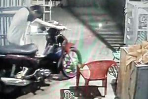 Bảo vệ trộm xe máy phát hiện công ty thuê lao động trẻ em
