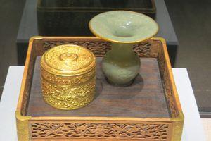 Chiêm ngưỡng hình ảnh Rồng Phượng trên bảo vật triều Nguyễn