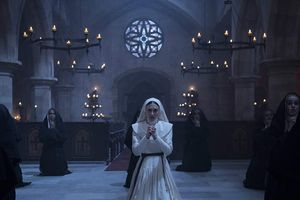 'Ác quỷ ma sơ': Valak mờ nhạt trong phim riêng