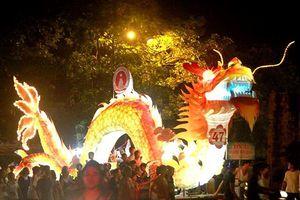 Tuyên Quang mang lễ hội trung thu sớm tới phố đi bộ Hồ Gươm