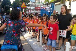 Trường tiểu học Tây Sơn: Hỗn loạn trước cổng trường giờ tan học