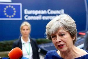 Ngoại trưởng Nga nói Thủ tướng Anh là 'người kể chuyện hay'
