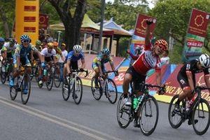 Chặng 6 giải xe đạp quốc tế VTV: Lần thứ 3 giành lại danh hiệu Áo vàng