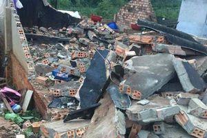 Lâm Đồng: Lốc xoáy mạnh, khiến nhiều ngôi nhà hư hỏng