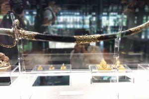 Gần 100 hiện vật quý hiếm tại triễn lãm 'Rồng - Phượng trên bảo vật triều Nguyễn'