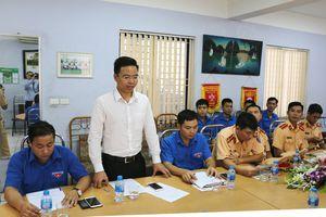 Đoàn Thanh niên ra quân tuyên truyền bảo đảm ATGT đường bộ - đường sắt