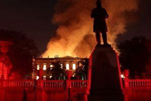 Hàng trăm cổ vật Ai Cập bị phá hủy trong vụ cháy Bảo tàng quốc gia Brazil