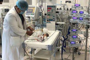 Sức sống mãnh liệt của bé sinh non chỉ nặng nửa cân