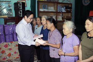 Trưởng ban Tổ chức Trung ương Phạm Minh Chính kiểm tra công tác khắc phục lũ lụt tại Thanh Hóa
