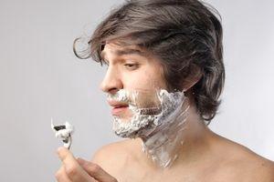Dao cạo râu có thể khiến bạn dễ mắc bệnh hơn