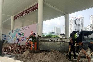 Vụ đổ gạch, cát vào trường học Pascal: UBND TP. Hà Nội yêu cầu làm rõ