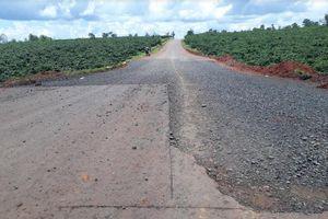 Cận cảnh những 'dấu vết lạ' trên tuyến đường tránh Pleiku đang xây dựng
